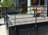 בניית מרפסת למסעדת אוונגרד