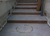 מדרגות בכניסה לבית