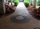 ריצפה גרנולית בכניסה לבית משותף